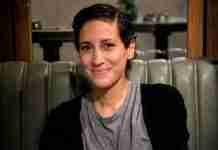 33 ετών η Μαριλένα Καραμολέγκου ανακάλυψε τον καρκίνο. Σήμερα φορά την ατυχία της ως παράσημο