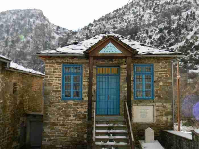 Περίτεχνα καλντερίμια, επιβλητικά αρχοντικά και ένα πανύψηλο καμπαναριό του 1868. Σε αυτό το χωριό θα θέλετε να ζήσετε για πάντα
