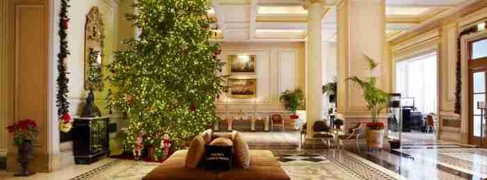 Το ξενοδοχείο Μεγάλη Βρεταννία δημιούργησε ένα παραμυθένιο γιορτινό σποτ!