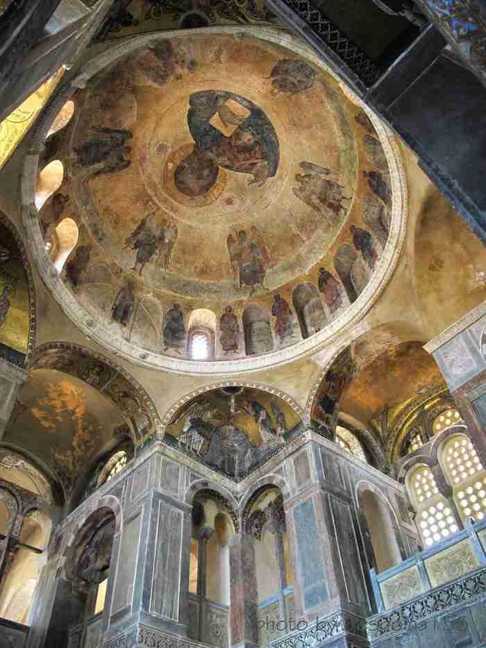 Η Αγία Σοφία της στερεάς Ελλάδος! Το μοναστήρι που θεωρείται το σπουδαιότερο βυζαντινό μνημείο της Ελλάδας του 11ου αιώνα