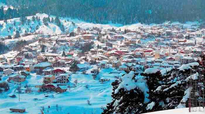 Πρωτοχρονιά στα μικρά χωριά της Ελλάδας. Εκεί που χρόνος πηγαίνει με άλλους ρυθμούς