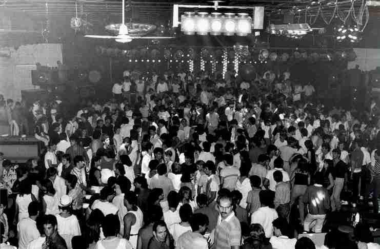 Club Αυτοκίνηση: Έτσι διασκέδαζαν στην Αθήνα πριν από 30 χρόνια