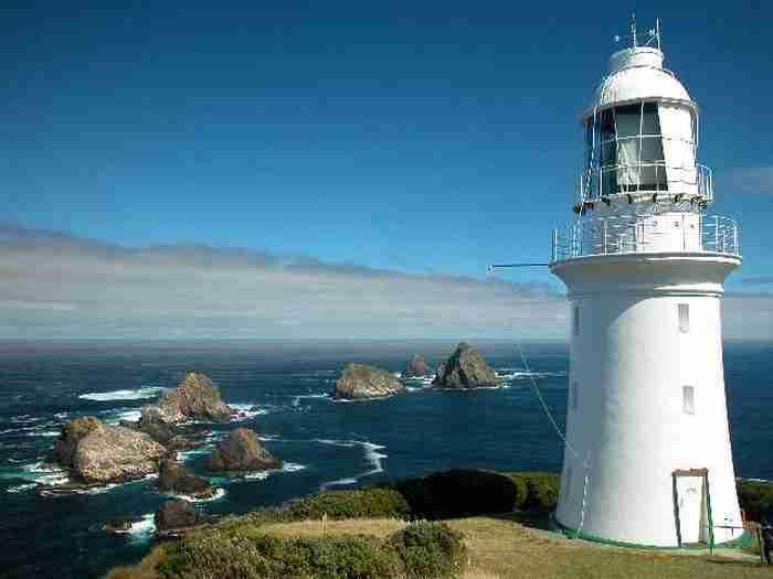 Ζητείται προς πρόσληψη ζευγάρι για να κοιτάει τη θάλασσα σε απομονωμένο νησί της Τασμανίας
