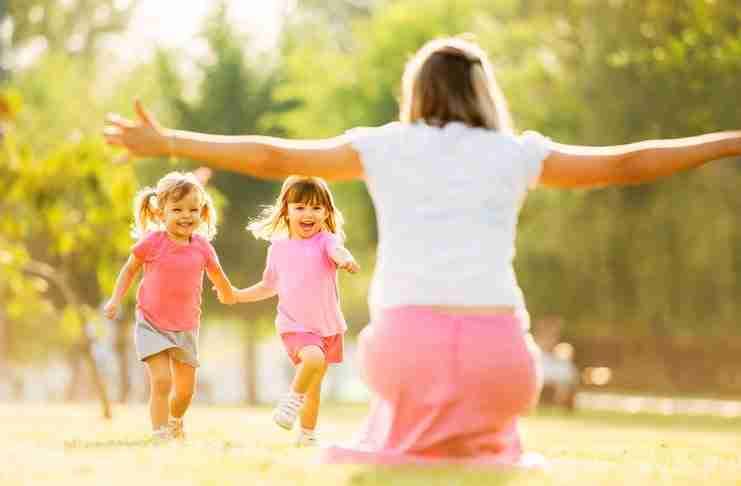 7 λόγοι που εξηγούν γιατί είναι τέλειο να είσαι θείος/θεία