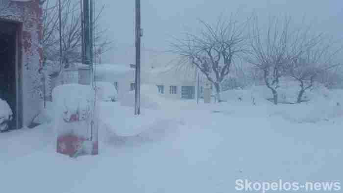 Η φωτογραφία από τη χιονισμένη Σκόπελο που εντυπωσίασε τους χρήστες του διαδικτύου
