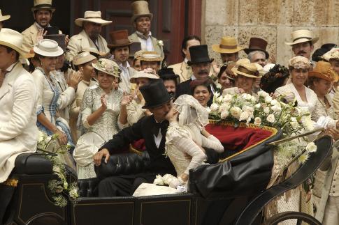 """""""Έρωτας στα χρόνια της χολέρας"""": Το αριστουργηματικό βιβλίο του Γκαμπριέλ Γκαρσία Μαρκές που άφησε ιστορία"""