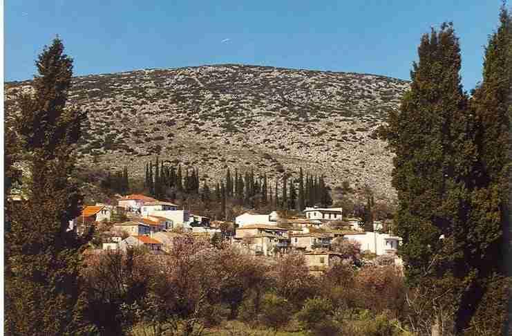 Και όμως, η Κολοπετινίτσα υπάρχει και βρίσκεται πιο κοντά στην Αθήνα απ' ότι φαντάζεστε