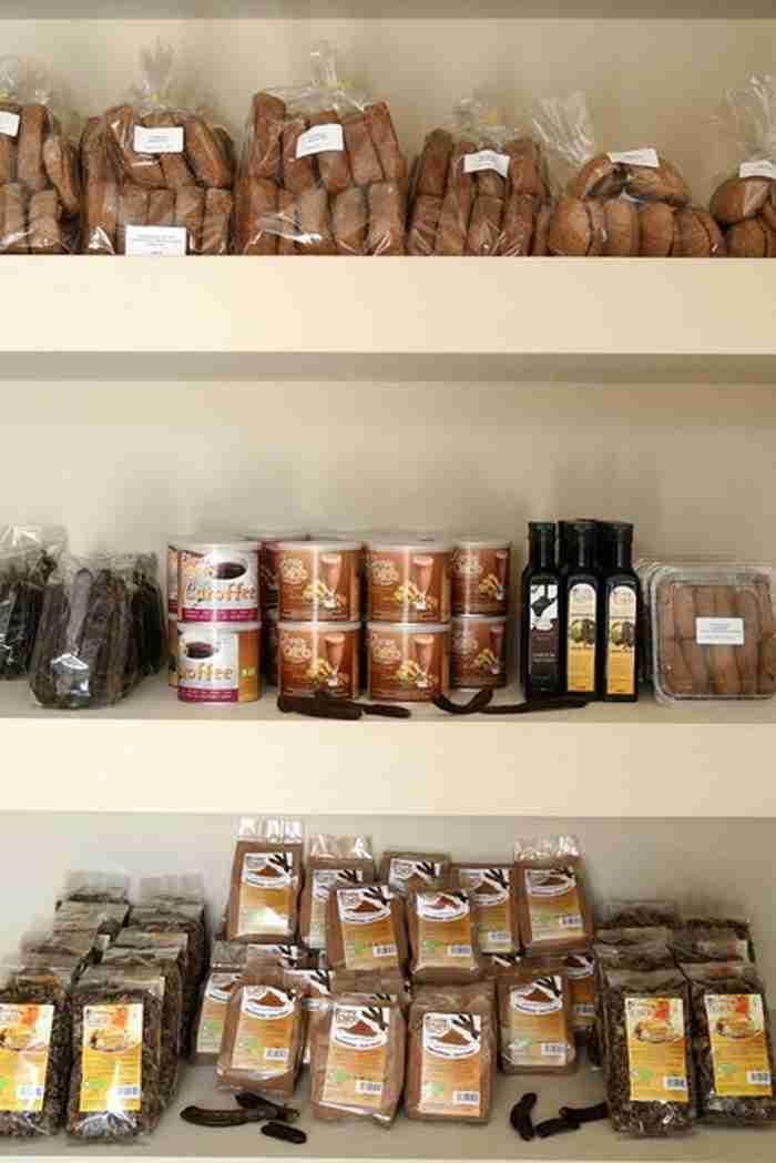 Χαρούπι: Από τροφή της κατοχής, «μαύρος χρυσός» στην Ελλάδα της κρίσης