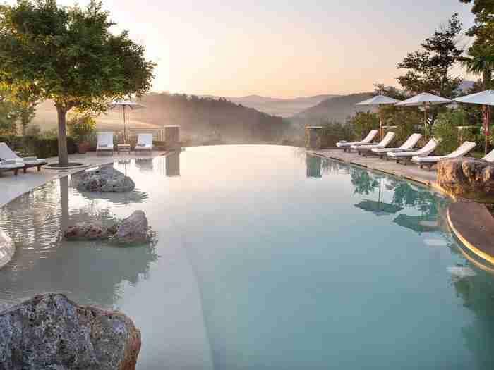 Χρονολογείται από το 1200: Αυτό είναι το πιο όμορφο ξενοδοχείο της Τοσκάνης!