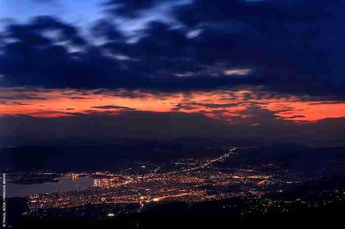 Το κόσμημα του Παγασητικού: Η υπέροχη πόλη με την μεγάλη ιστορία και τα...600 τσιπουράδικα
