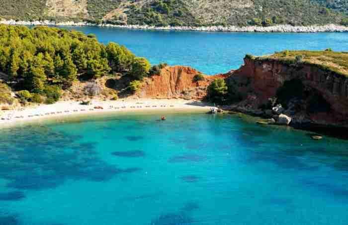 Η πρώτη περιοχή της Ελλάδας που κατάργησε την πλαστική σακούλα. Το κρυμμένο διαμάντι των νησιών μας με το μοναδικό θαλάσσιο πάρκο της χώρας