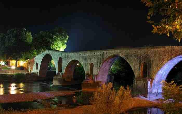 Γεφύρι της Άρτας το χιλιοτραγουδισμένο: Τι λέει ο θρύλος για το καμάρι της περιοχής