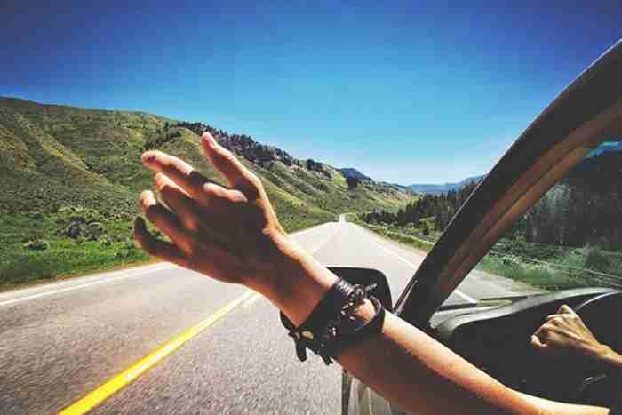 «Χαρείτε τη βόλτα. Δεν υπάρχει εισιτήριο επιστροφής!»: Οι σοφές συμβουλές του Carlin για να ξεχάσουμε τα γηρατειά