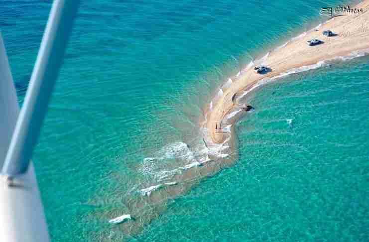 """Η παραλία της Θεσσαλονίκης με τα.. """"δύο πρόσωπα"""" σε ένα μαγευτικό βίντεο από ψηλά!"""