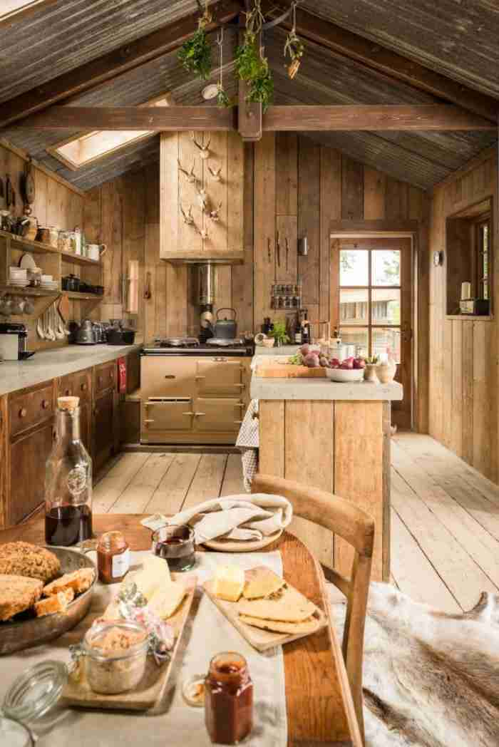 Παλιό ξυλουργείο μετατρέπεται σε σπίτι και προκαλεί.. δέος