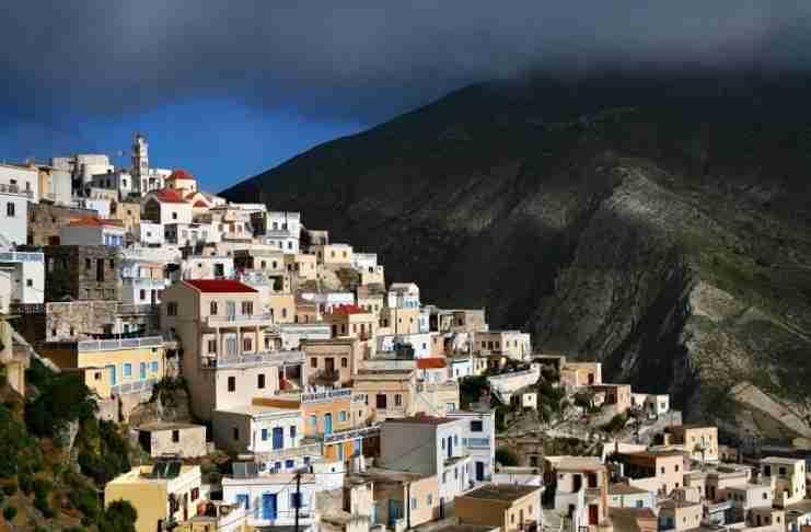 Το πιο παραδοσιακό χωριό της Ελλάδας! Οι κάτοικοι μιλούν τη δική τους διάλεκτο, τηρούν τα έθιμα και φορούν παραδοσιακές φορεσιές