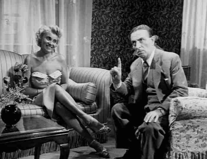 «Η κάλπικη λίρα»: Η αριστουργηματική ταινία του 1955 με τις διεθνείς διακρίσεις. Για πολλούς η κορυφαία ελληνική ταινία όλων των εποχών