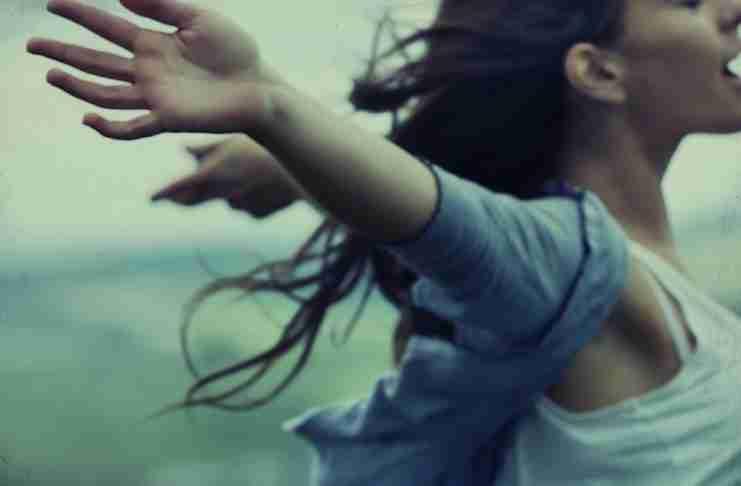 Όσο διώχνεις τη γκρίνια και τη μιζέρια, τόσο θα ανθίζει η ευτυχία