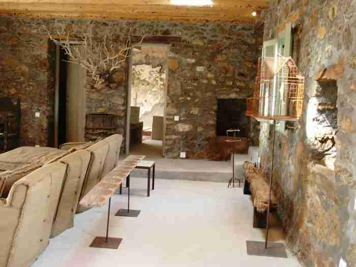 Πως ένα ετοιμόρροπο μαντρί στη Σέριφο μεταμορφώθηκε σε μια υπέροχη κατοικία