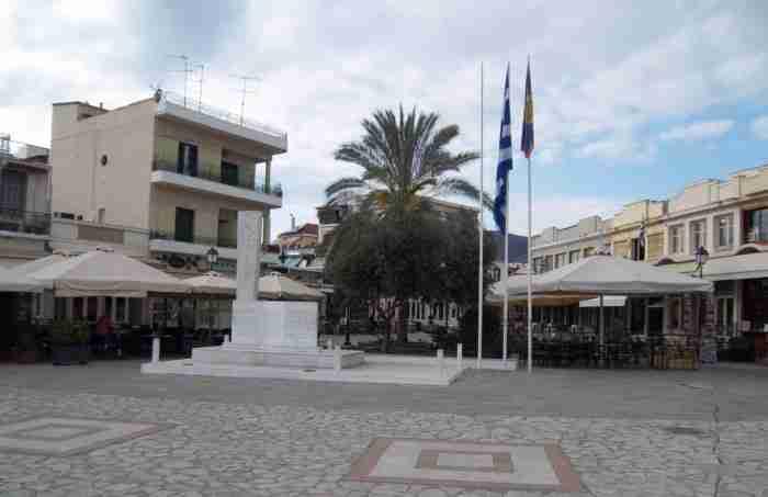 """«Πηγαίνετε, είναι ένας κρυμμένος θησαυρός»: Η ελληνική πόλη που θεωρείται μία από τις ωραιότερες """"άγνωστες"""" πόλεις της Ευρώπης"""