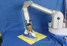 Ήρθε το ρομπότ που σιδερώνει τα ρούχα. Το επόμενο βήμα.. να μάθει να μαγειρεύει