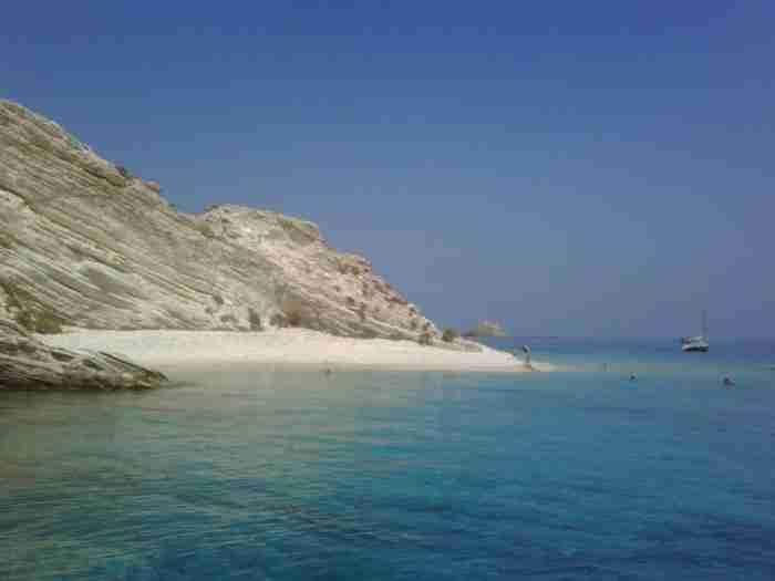Η μικρή Ιταλία του Αιγαίου: Το νησί των 700 κατοίκων που θυμίζει επίγειο παράδεισο