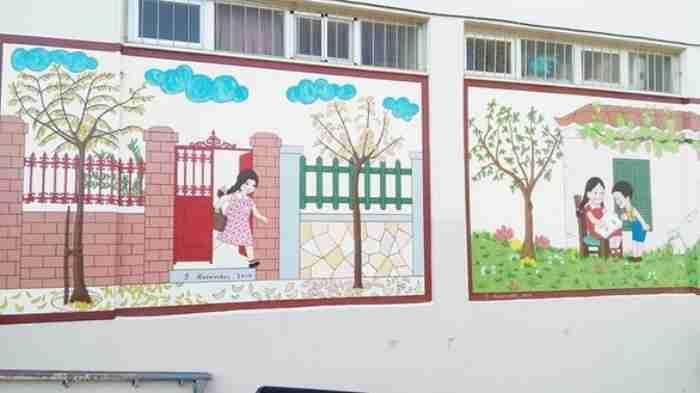 Ένας υπέροχος παππούς ζωγράφισε το αλφαβητάρι των παιδικών μας χρόνων σε σχολείο της Πάτρας!