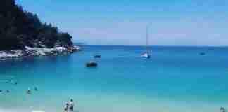 Ένα νησί αποκάλυψη.. Τροπικές παραλίες, καταρράκτες και αμμουδιές που δε λέγονται τυχαία.. Παράδεισος!