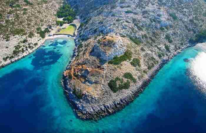 Το βορειότερο νησί των Δωδεκανήσων είναι ένας μικροσκοπικός ανέγγιχτος παράδεισος
