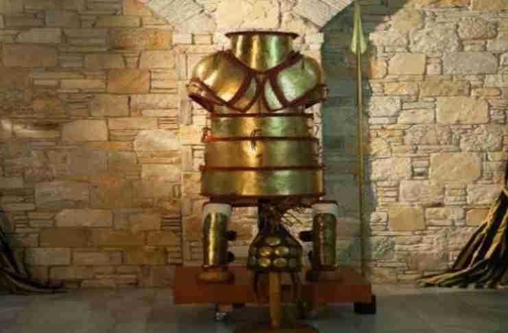 Η αρχαιότερη άθικτη και πλήρης πανοπλία του πλανήτη είναι Ελληνική!