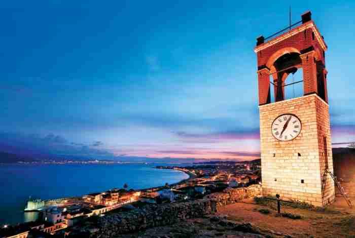 """Η """"ωραία» της Αιτωλοακαρνανίας: Η μαγική καστροπολιτεία που θυμίζει έργο τέχνης"""