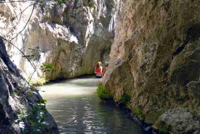 Ένα από τα ωραιότερα φυσικά τοπία της χώρας μας βρίσκεται καλά κρυμμένο στη Σάμο