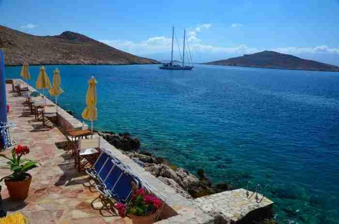 Το Νησί της Ειρήνης και Φιλίας: Ο άγνωστος μικροσκοπικός παράδεισος της Ελλάδας που μοιάζει με κομμάτι του ουρανού