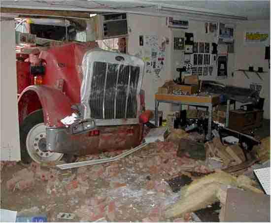21 παράξενα ατυχήματα με νταλίκες