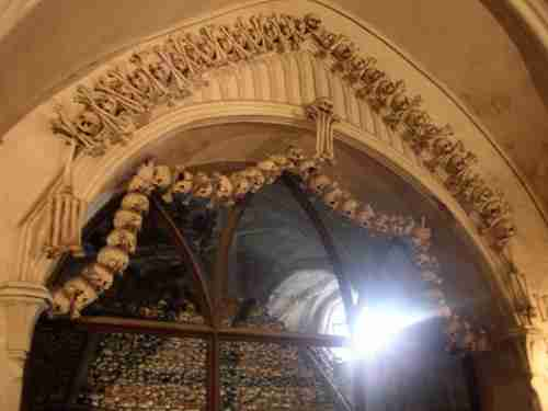 Το παρεκκλήσι με τους 40000 σκελετούς