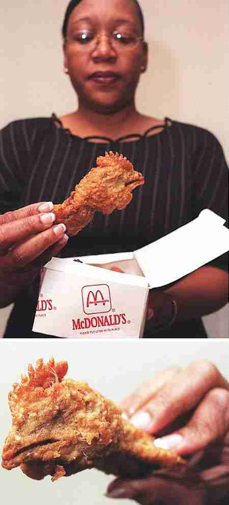 Ένα ολόκληρο κεφάλι κοτόπουλου βρέθηκε μέσα σε ένα  Happy Meal της McDonald