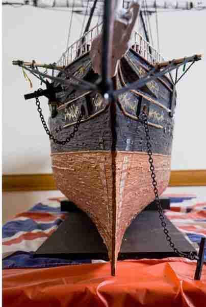 Πλοίο από οδοντογλυφίδες!