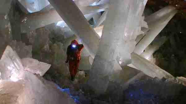 Γιγάντιοι κρύσταλλοι σε σπηλιά του Μεξικού