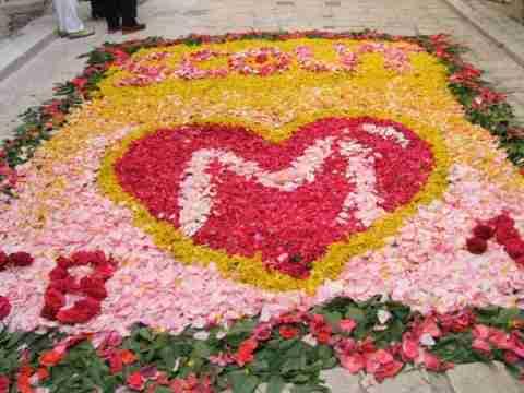Ένα χαλί από λουλούδια