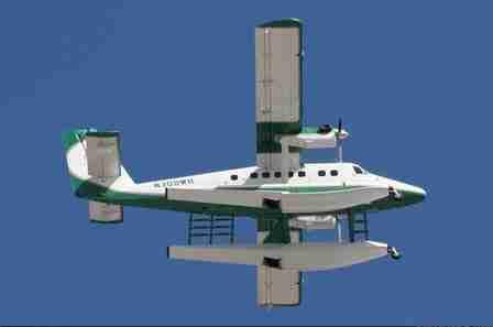 Wayne Huizenga - de Havilland Canada DHC-6-320 Twin Otter