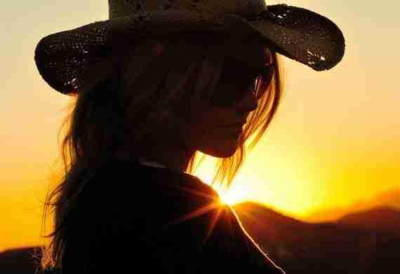 Σκιές στο ηλιοβασίλεμα