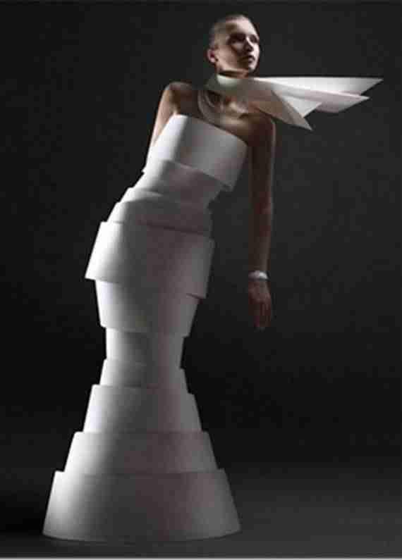 Φόρεμα από χαρτί