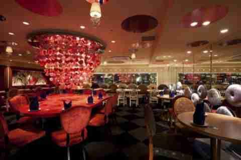 Το εστιατόριο Alice in Wonderland
