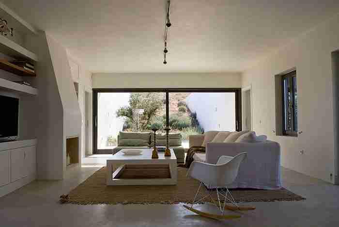Αλώνι, ένα ξεχωριστό σπίτι στην Αντίπαρο.