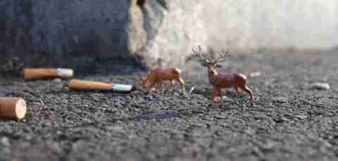 """Οι """"μικροί άνθρωποι"""" του Slinkachu"""