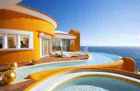 Villa Colani: Ένα σπίτι έργο τέχνης!