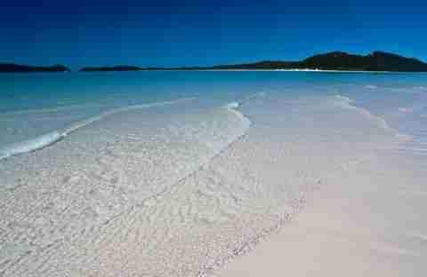 Η παραλία με την πιο άσπρη άμμο