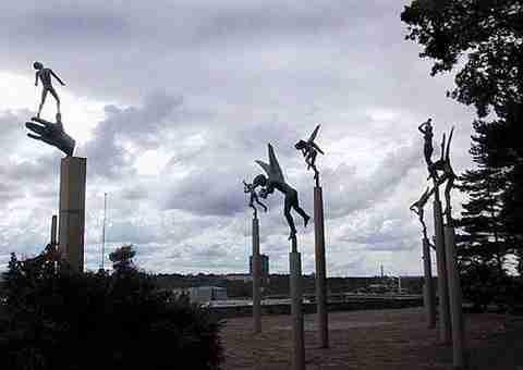 Παράξενα αγάλματα (Νο 2)