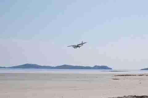 Ένα αεροδρόμιο μέσα στην θάλασσα