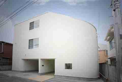 Το σπίτι με τις τσουλήθρες